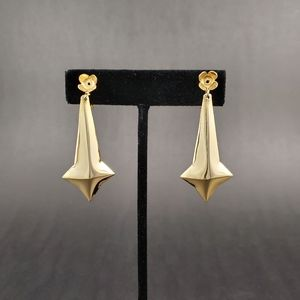TRUE VINTAGE Gold Tone Abstract Clip On Earrings
